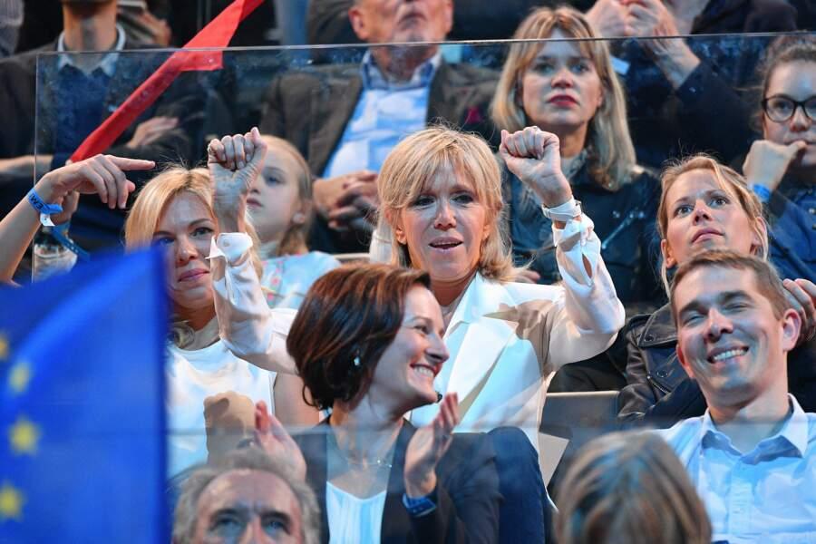 Brigitte Macron était ce lundi 17 avril à Bercy pour soutenir son mari, en meeting
