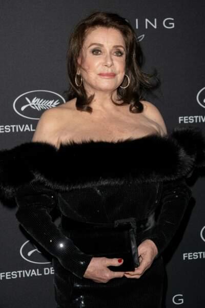 Catherine Deneuve, mystérieuse à Cannes