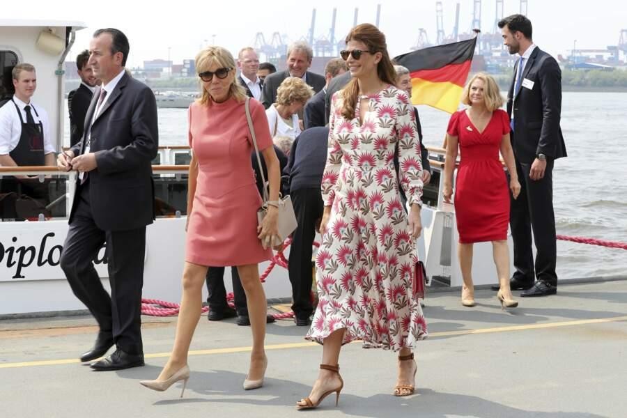 7 juillet 2017 :  Brigitte Macron porte du rose pour la première fois à Hambourg