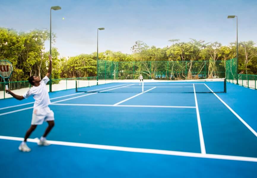 Le court de tennis du Cheval Blanc Randheli