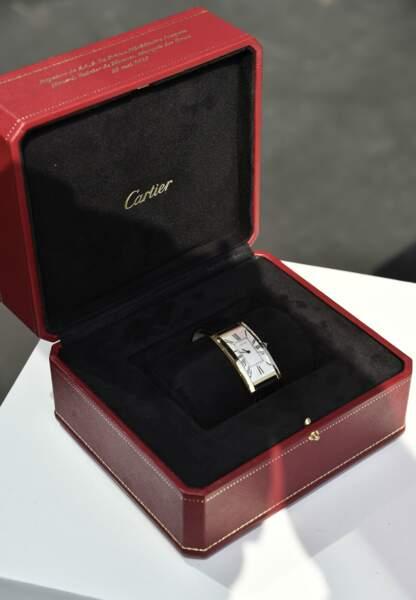 Pour le Prince héréditaire Jacques, la montre Grande Tank Cintrée, première montre de forme épurée de style art nou
