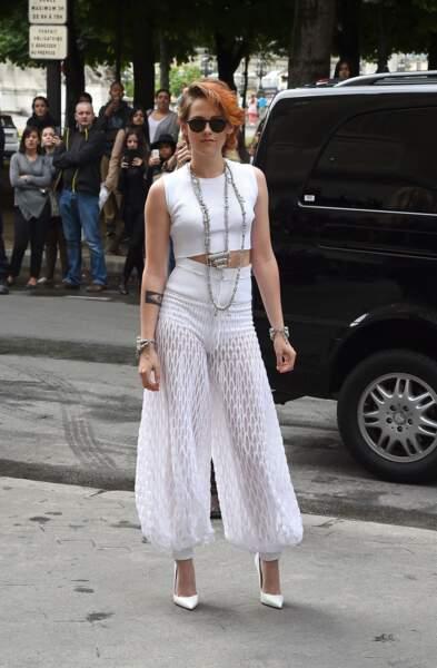 Kristen Stewart qui arrive au défilé Chanel