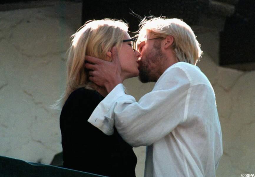 Brad Pitt et Gwyneth Paltrow s'embrassent fougueusement en Argentine en 1996