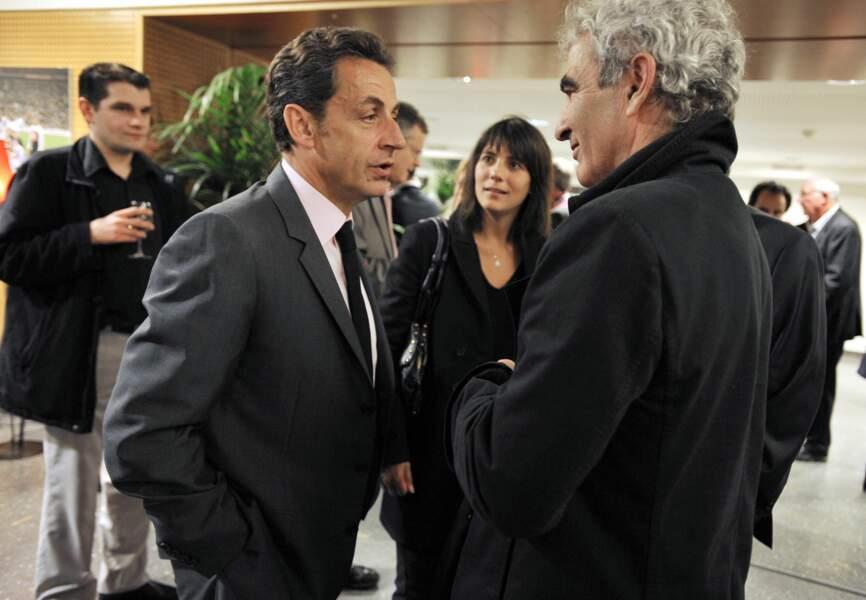 Estelle Denis, avec Raymond Domenech et Nicolas Sarkozy au Stade de France en 2009