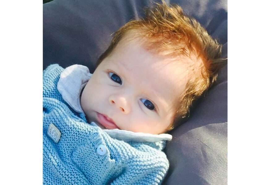 Un camaïeu de maille bleu ardoise pour Sacha le deuxième fils de Shakira