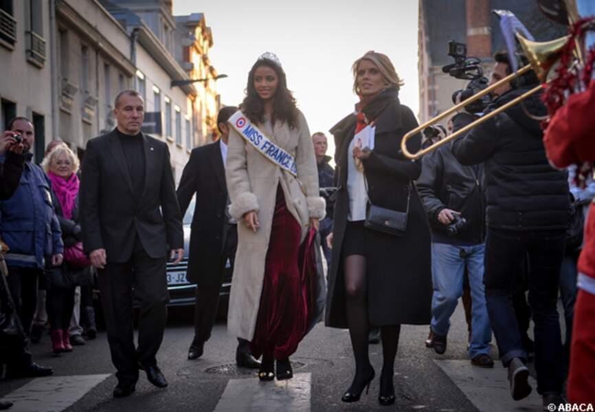 Sylvie Tellier accompagne Miss France dans les rues de Chartres
