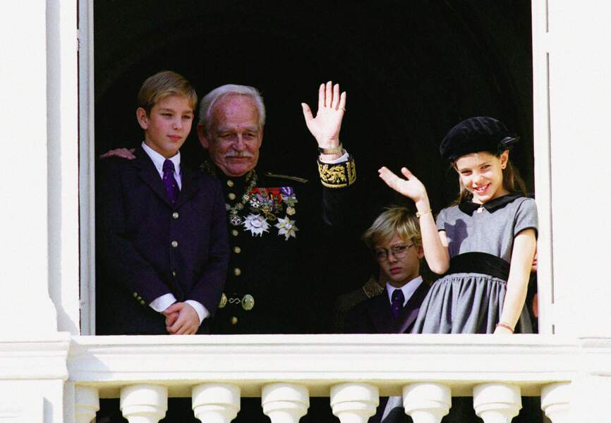 19 novembre 96 - Charlotte, ses frères et le prince Rainier lors de la fête nationale de Monaco