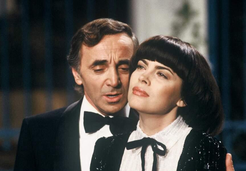 Deux ans plus tard, Aznavour est de retour sur le même plateau.