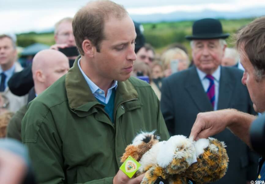 Le duc de Cambridge a été couvert de cadeaux à l'intention du prince George