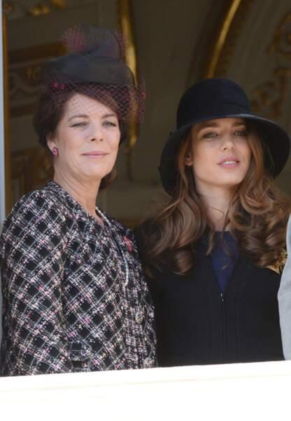 Deux générations, une même grâce au balcon du Palais Princier