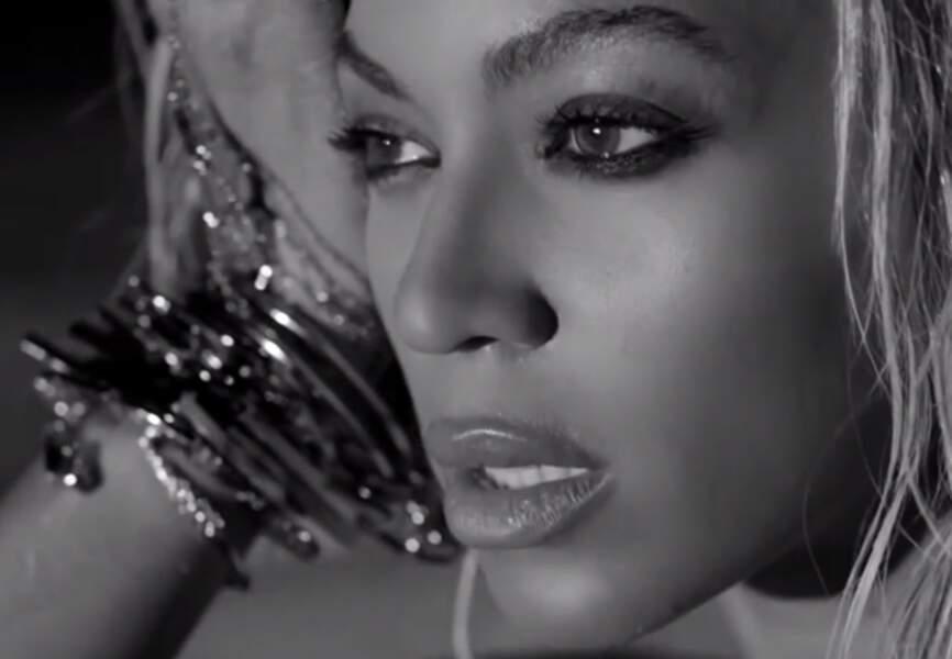 Queen B multiplie les bracelets pour Drunk in Love