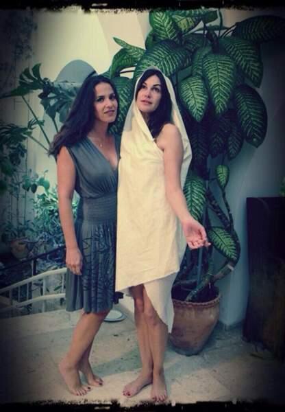 Elisa Tovati et Helena Noguera s'amusent bien