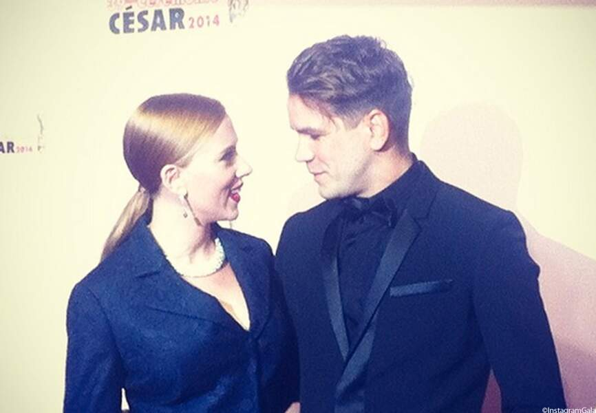 Scarlett Johansson pose avec son amoureux Romain Dauriac