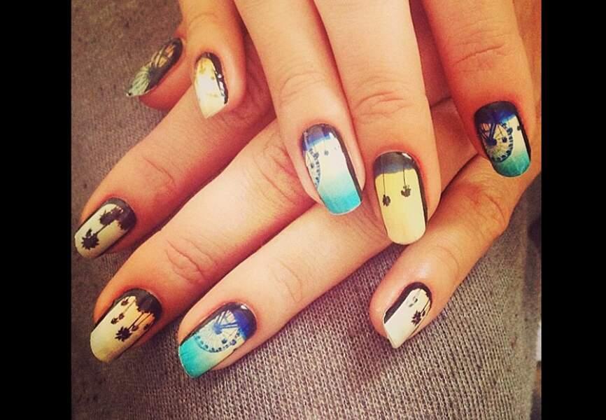 Le  nail art Coachella d'Alessandra Ambrosio
