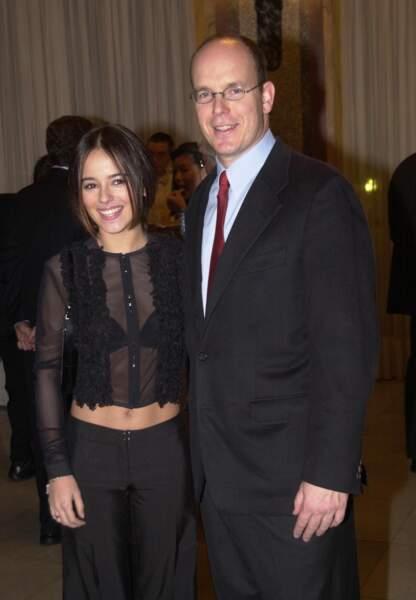 La chanteuse pose avec les grands de ce monde comme le Prince Albert en 2002