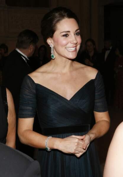 La duchesse de Cambridge radieuse avec sa somptueuse parure d'émeraudes