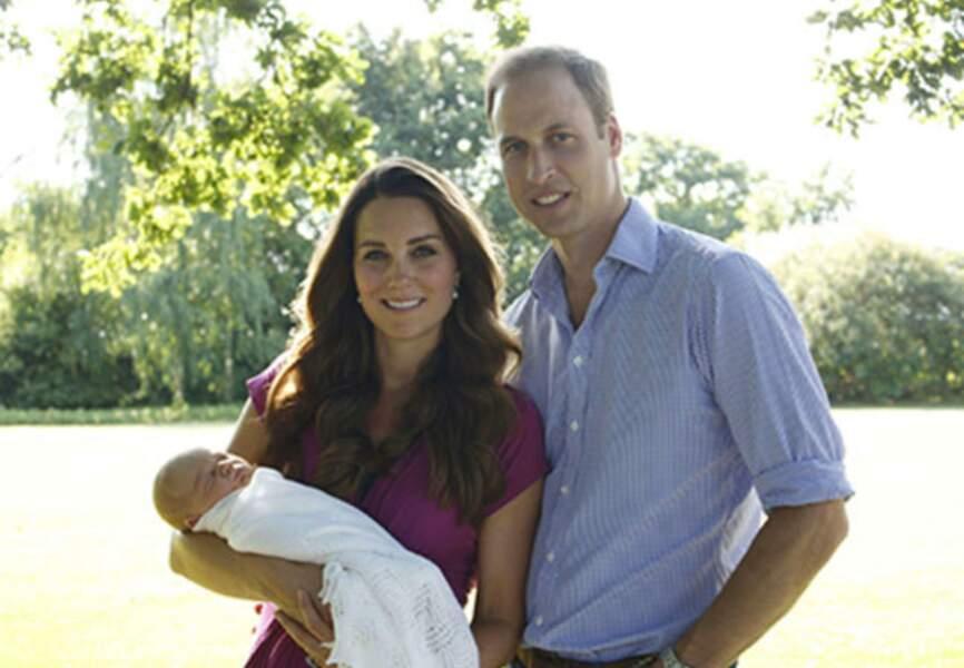 Juillet: Certainement le bébé le plus médiatique de l'année, George a fait le bonheur du Royaume de Kate et William