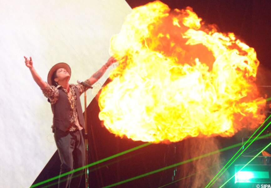 Bruno Mars a mis le feu