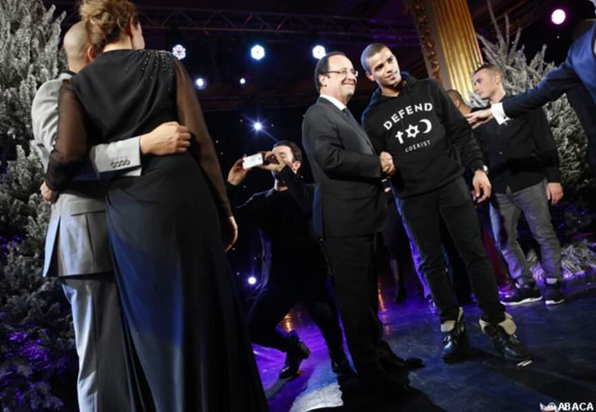 Brahim Zaibat a voulu se faire photographier serrant la main de François Hollande