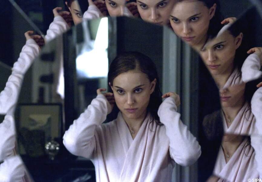 Dans Black Swan, Natalie Portman intrigue