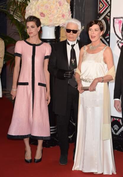 28 mars 2015 - Charlotte aux côtés de Karl Lagerfeld pour le Bal de la Rose