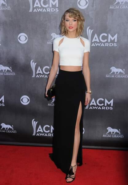 Simple et élégante aux Academy Of Country Awards en 2014