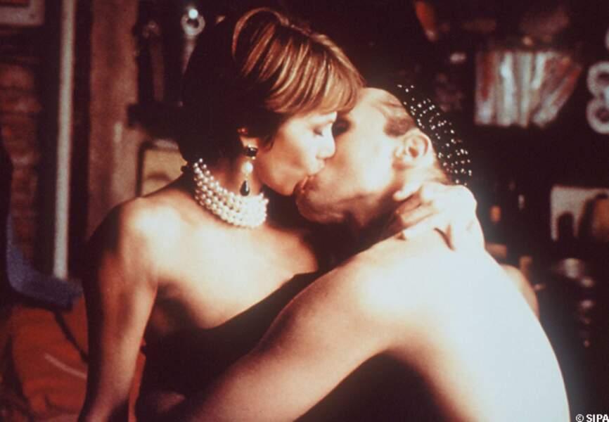 Victoria Abril et Miguel Bose dans Talons Aiguilles, en 1991