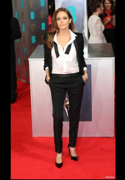 Angelina Jolie en Yves-Saint-Laurent