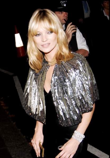 Kate Moss et sa coupe très seventies