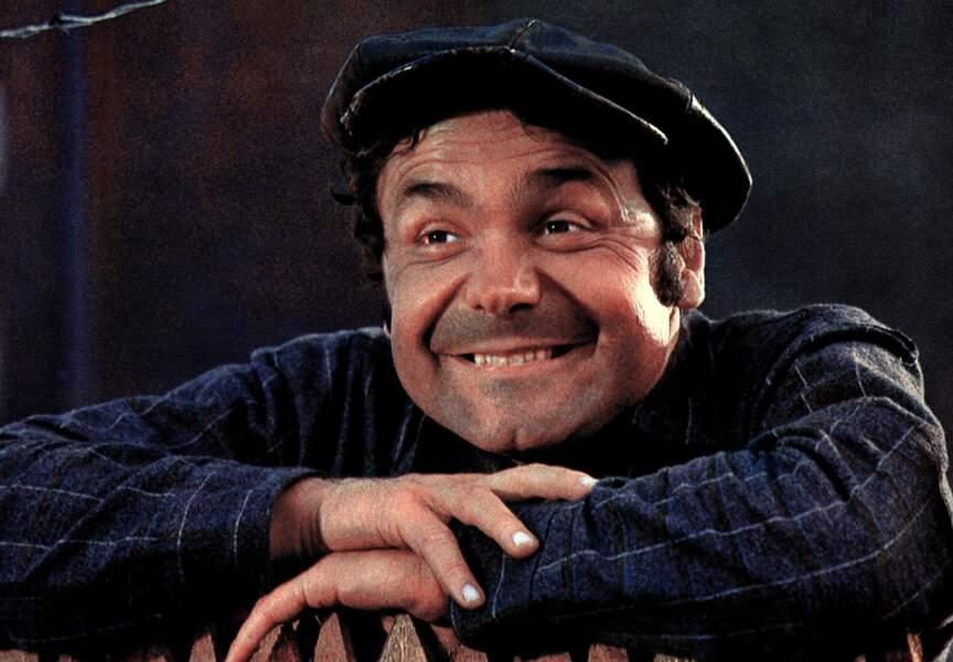 """Pierre Perret au cinéma. Mais oui! Ici en paysan dans le film de Claude Autant-Lara, """"Les Patates"""" (1969)"""