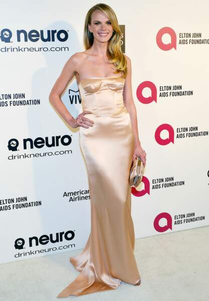 Le top Anne Vyalitsyna dit Anne V