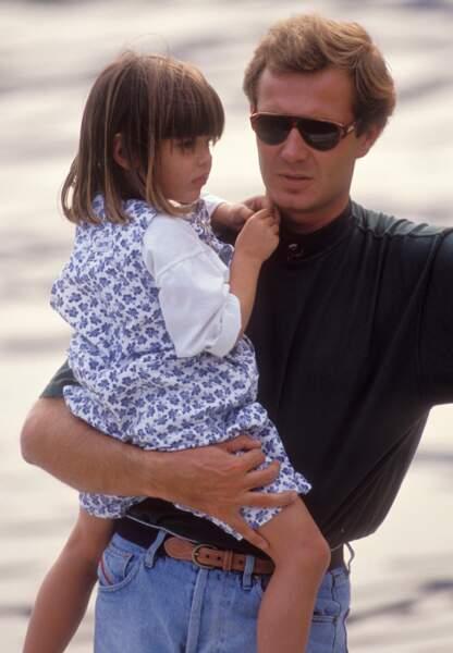 Charlotte et son père à la plage, le 29 septembre 1990