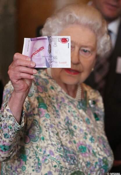 Elizabeth II à la loupe