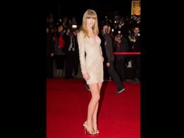Des seins refaits pour Taylor Swift?