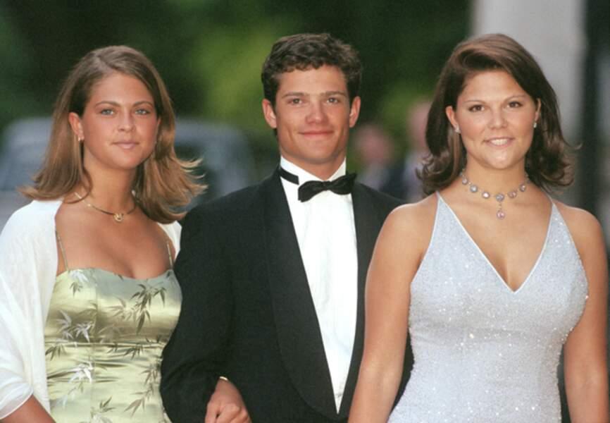 En 1999 aux côtés de son frère Carl Philip et de sa soeur Victoria