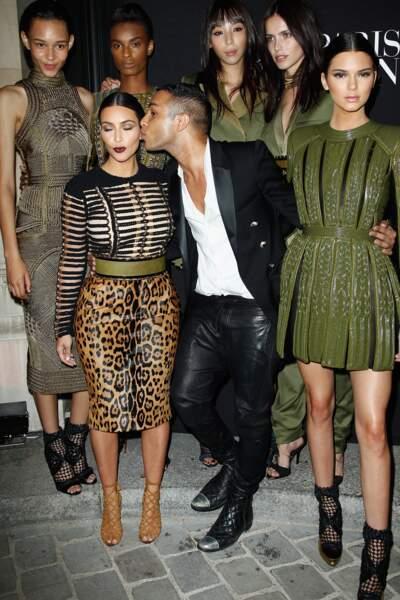 Kim Kardashian et Kendall Jenner, les guerrières Balmain d'Olivier Rousteing
