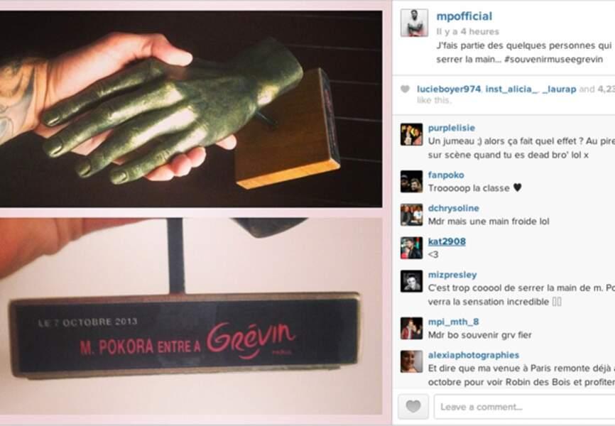 @mpofficial a des passions bizarres: celle de se serrer à la main à lui-même par exemple