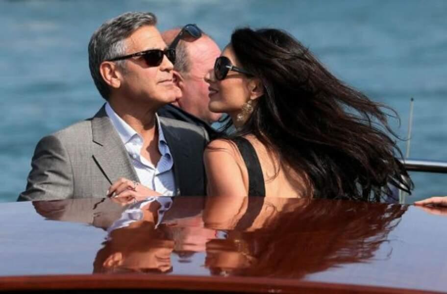 Le couple se détend avant le mariage. Balade en amoureux à Venise