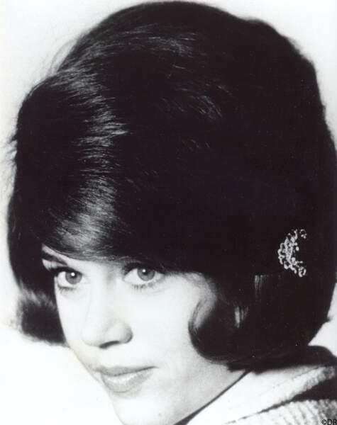 Jane  Fonda, en 1966, l'une des superstars coiffées par la maison.