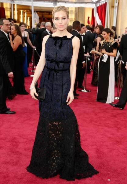 Sienna Miller en Oscar de la Renta