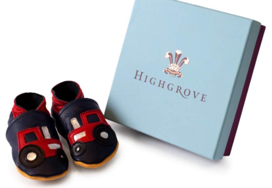 """Chaussons """"Tracteur"""" en cuir pour bébés de 0 à 6 mois. Déjà en vente sur www.highgroveshop.com."""