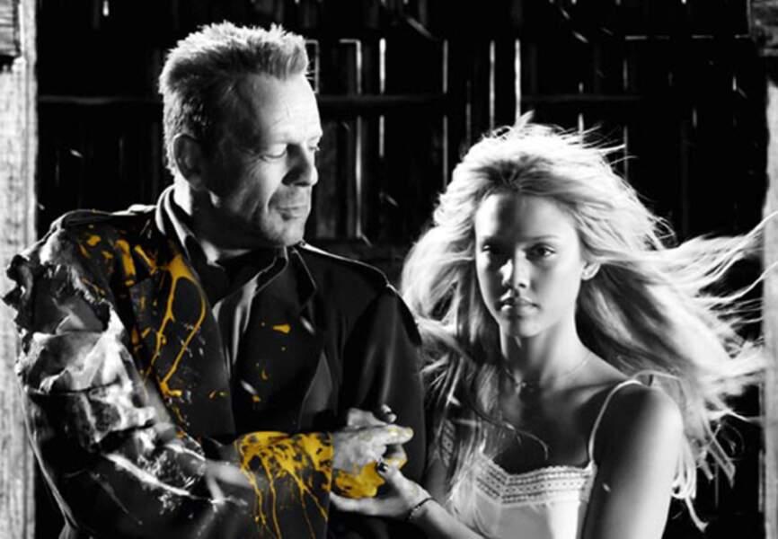 Sin City, en 2005, est l'adaptation très personnelle de la BD de Franck Miller. Bruce Willis rencontre Jessica Alba