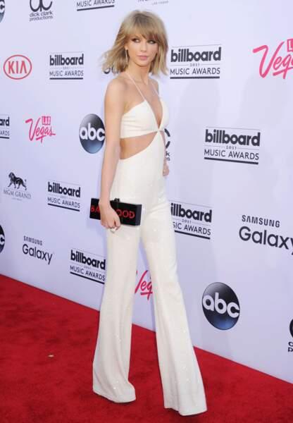 Taylor Swift en combinaison blanche signée Balmain aux Billboard Music Awards 2015