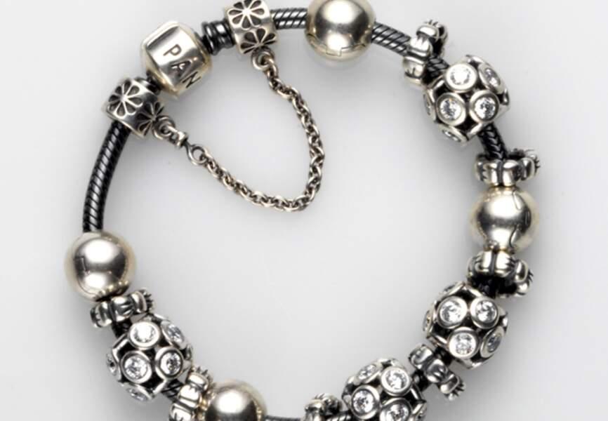 Bracelet en argent (69€), charms et clips (à partir de 39€)