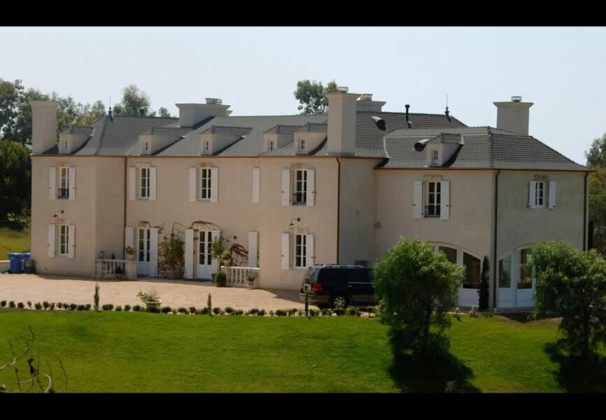 Pamela Anderson possède un château et un terrain de 3 hectares à Malibu