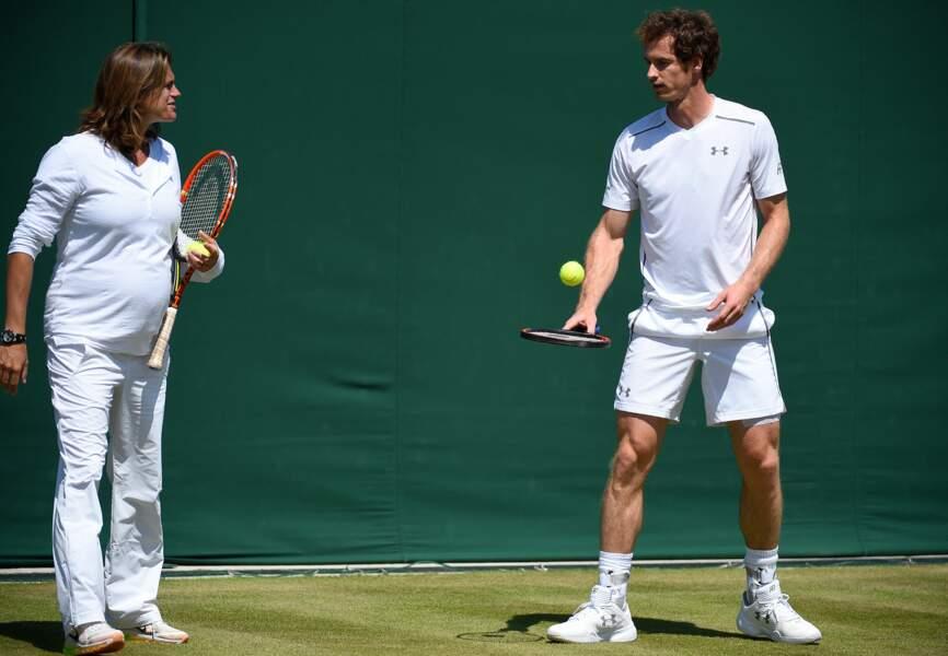 En 2014, Amélie Mauresmo devient l'entraîneur du joueur de tennis britannique Andy Murray