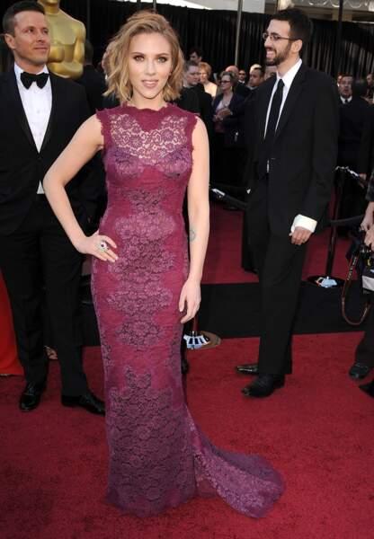Scarlett Johansson aux Oscars en 2011