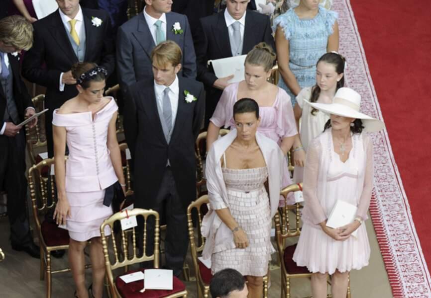 Costumes sombres et robes pastel lors du mariage du prince Albert et de Charlène de Monaco en juillet 2011