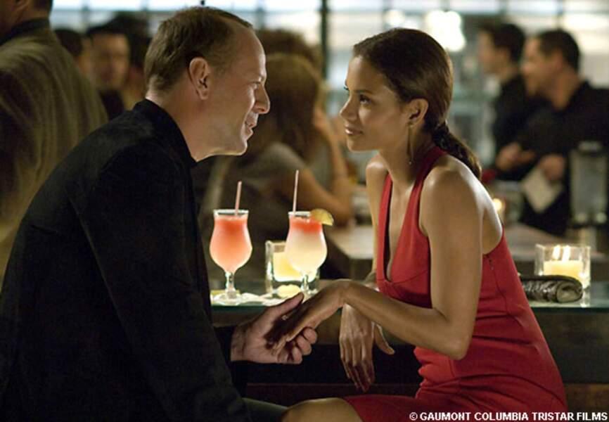 En 2007, Bruce Willis et Halle Berry sont à l'affiche de Dangereuse séduction