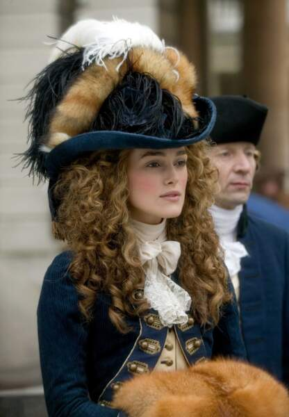 Sobre, épurée, Keira est bluffante en duchesse insoumise dans The Duchess